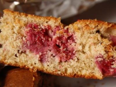 Gâteau framboises, ricotta, noisettes - Photo par titias