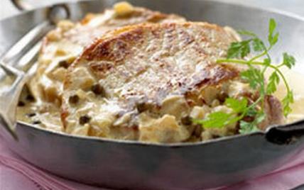 Côtes de porc sans os, crème fraîche et poivre - Photo par Le Porc