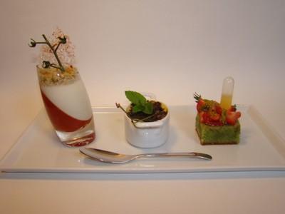 Déclinaison sucrée autour de la tomate de Marmande....verrine, crème brûlée et tartelette - Photo par Sandrine Baumann