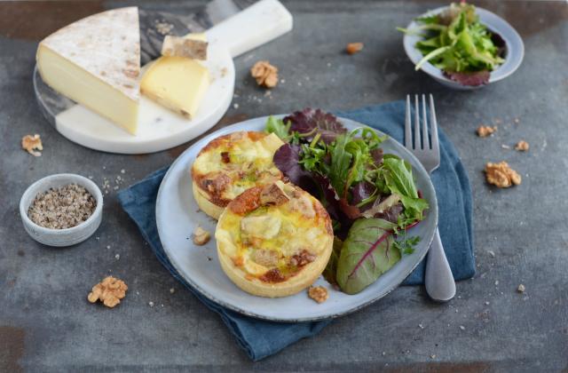 Tartelettes aux poireaux, Saint-Nectaire laitier et noix - Photo par Nadia Paprikas