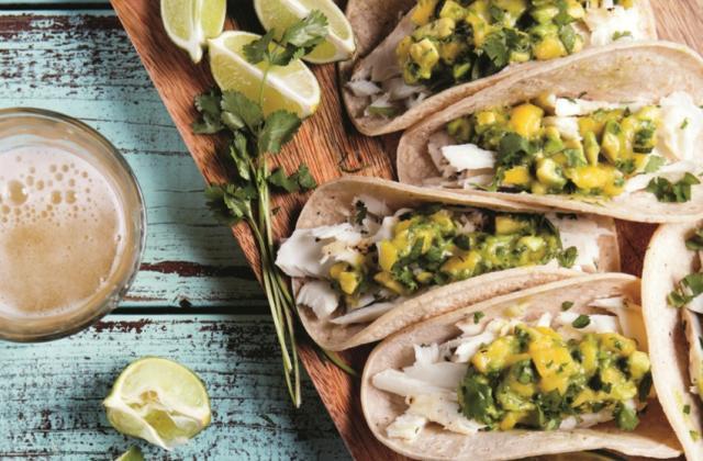 Tacos au poisson et salsa de mangue à l'avocat - Photo par Alan Weiner