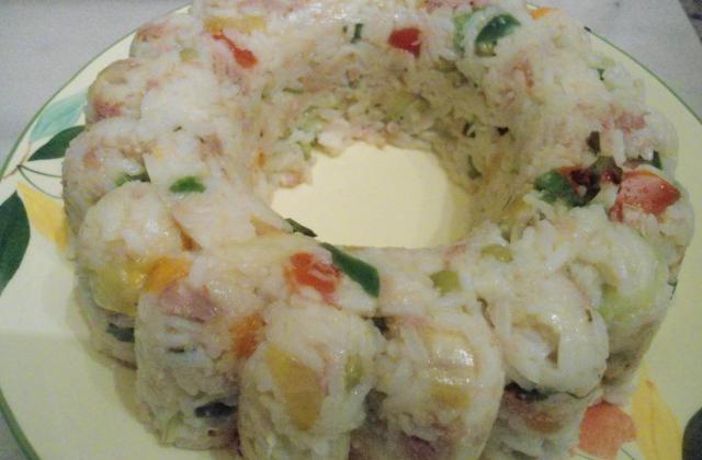 Salade de riz aux crevettes et légumes - Photo par DALILA34