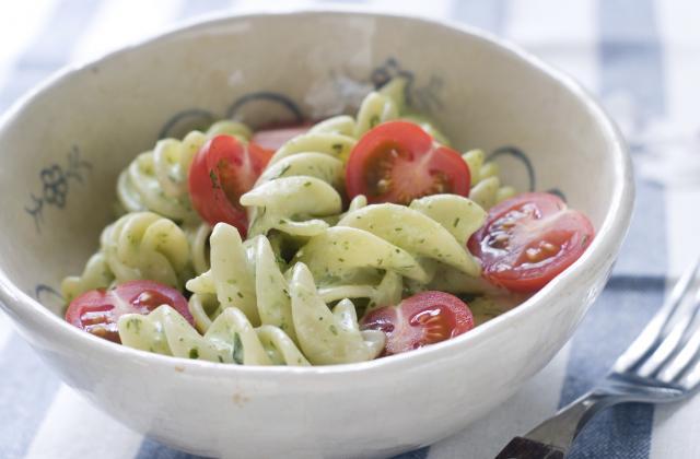 Salade de pâtes au pesto - Photo par 750g