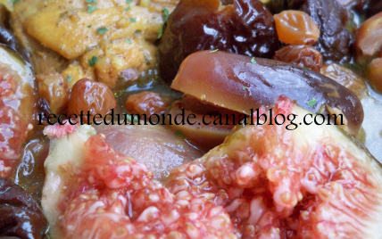 Tajine de poulet aux figues fraiches et fruits secs ! - Photo par nadegeferrus