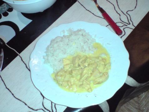 Curry de poulet à la banane et aux oignons - Photo par paugam