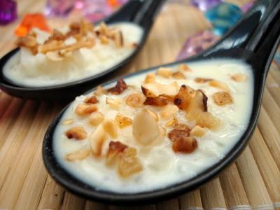 Riz au lait à la vanille et pépites de nougatine - Photo par fimere2