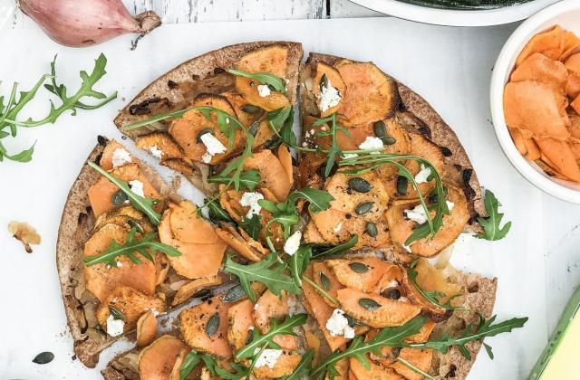 Pizza aux patates douces, feta et graines  de courge - Photo par Kazidomi
