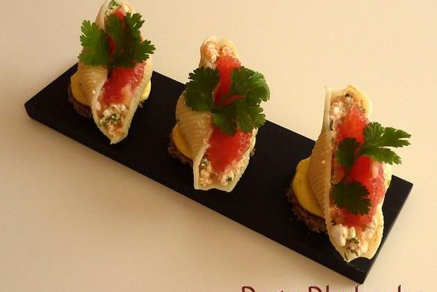 Conchiglie sur toast mayonnaise acidulée farcie au saumon fumé et cottagecheese pamplemousse - Photo par Membre_248867