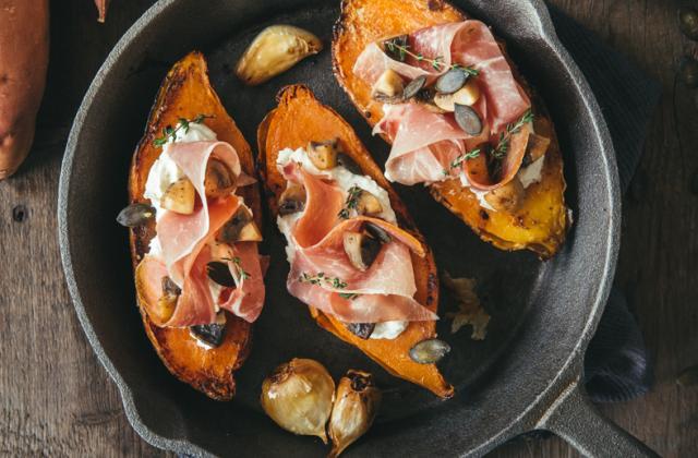 Patates douces rôties au jambon cru Aoste et champignons - Photo par Aoste