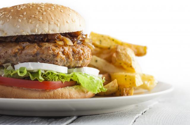 Ces 5 recettes indispensables de burgers pour l'été - Photo par 750g