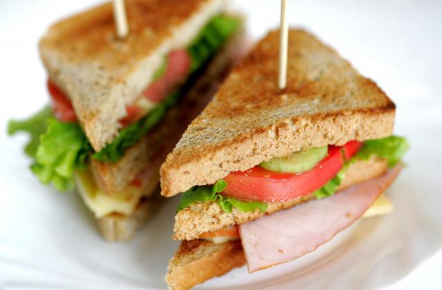 Club sandwich au poulet - Photo par 750g