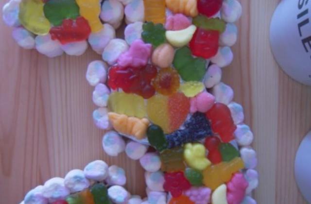 Gâteau de bonbons pour enfant - Photo par miss-juju