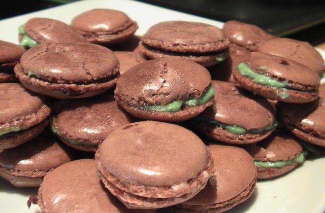 Macarons chocolat et pistache - Photo par cilou83
