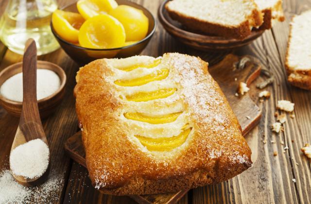 Gâteau de semoule aux pêches - Photo par 750g