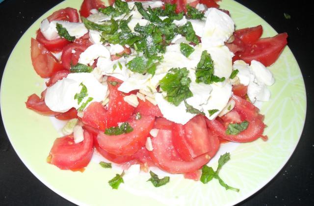 Tomates mozzarella au vinaigre de Xéres - Photo par Chef Damien