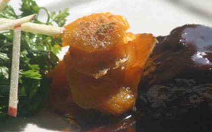 Joue de veau braisée au vin de Bordeaux et carottes confites - Photo par AAPrA