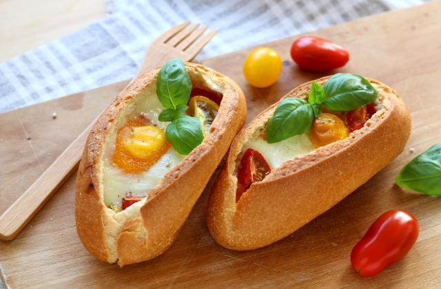 Egg boat ou Œuf cocotte cuit dans un pain - Photo par Silvia Santucci