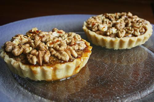 Tartelettes aux noix et caramel - Photo par Aux bons p'tits prat