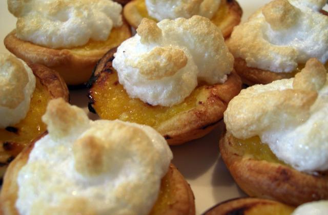 Mini-tartelettes au citron meringuées - Photo par Le Chaudron de la Louve