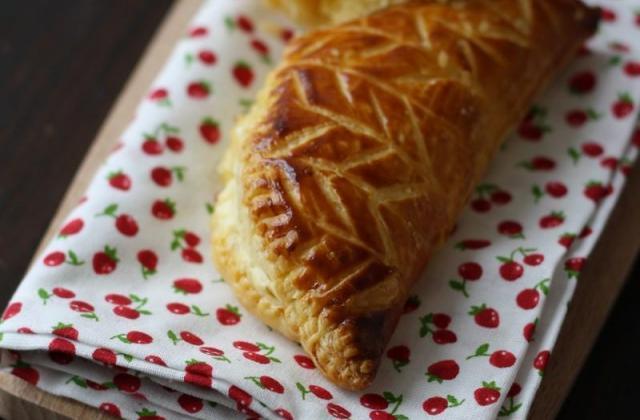Chaussons aux pommes et Carré Frais - Photo par Quiveutdufromage.com