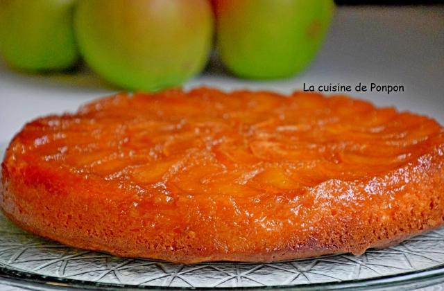 Gâteau tatin aux pommes caramélisées parfumé à la poudre de combava - Photo par Ponpon