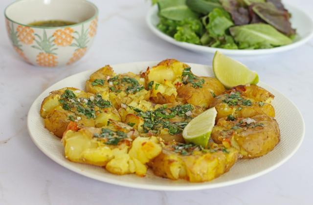 Pommes de terre tapées, sauce chimichurri - Photo par 750g