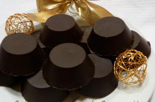 Chocolat fourré, à la crème caramel au beurre salé aux noix - Photo par Carmen