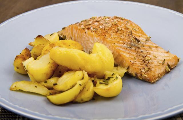 Saumon et pommes de terre au four - Photo par poetpoet