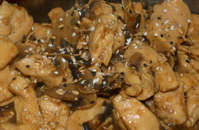 Poulet champignons sauce d'huître - Photo par La popote d'alex