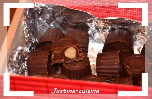 Petits chocolats fourrés au caramel beurre salé, chocolat au lait et noisette - Photo par justinVjU