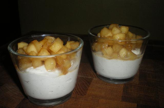 Mousse de boudin blanc et pommes en verrine - Photo par LeSPeTiTsPlAtSdEmA
