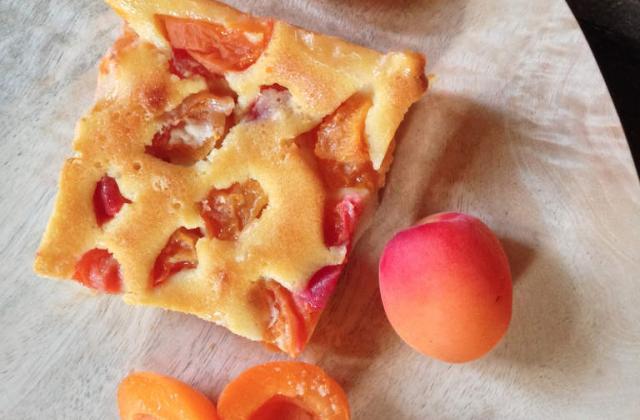 Clafoutis à l'abricot et à la fleur d'oranger - Photo par jlalba
