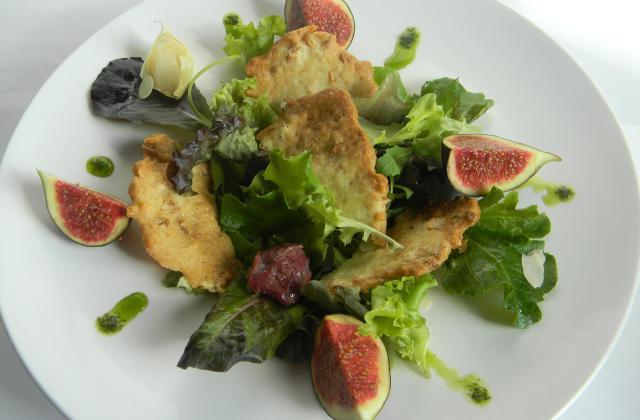 Nougatines d'ail de Lomagne et amandes, salade mesclun gésiers, figues - Photo par sophie