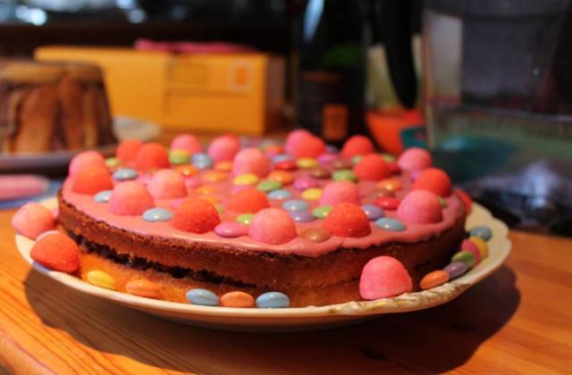 Gâteau au yaourt pour un anniversaire - Photo par Communauté 750g