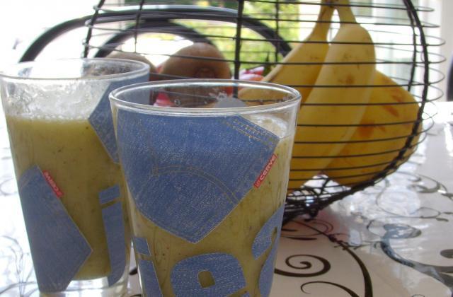 Smoothie orange, banane, kiwi et gingembre - Photo par ma pâtisserie