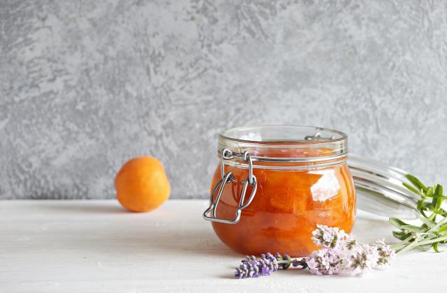 Confiture d'abricot à la lavande - Photo par 750g