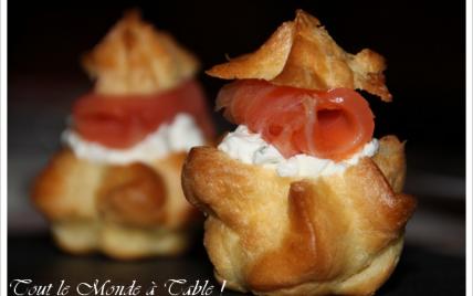 Mini choux fourrés chantilly à l'aneth et saumon fumé - Photo par petitedc