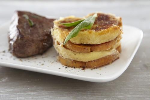 Gratin de Quenelles nature et patate douce, pavé de bœuf à la sauge - Photo par Saint Jean
