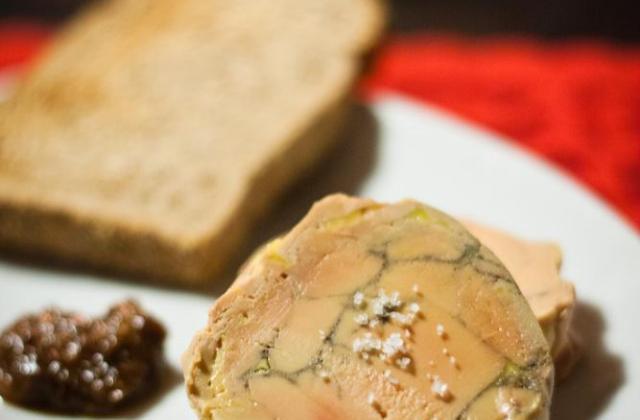 Foie Gras aux Epices de Noël et Vieil Armagnac, Cuit au Torchon au Thermomix - Photo par Ré