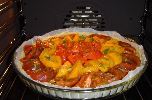 Tarte à la tomate moutardée maison - Photo par passing