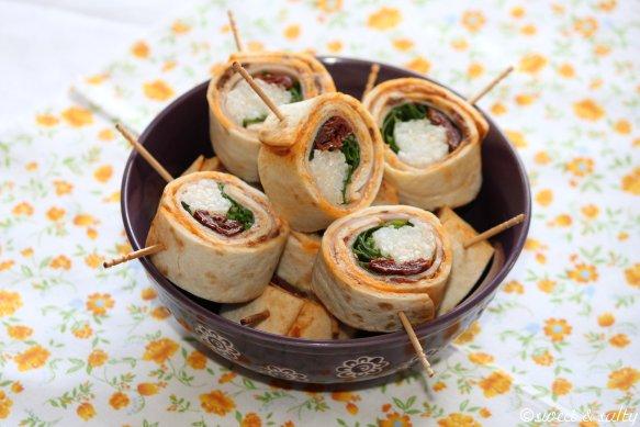 Maki-Wrap au poulet, tomates séchées et roquette - Photo par Dan