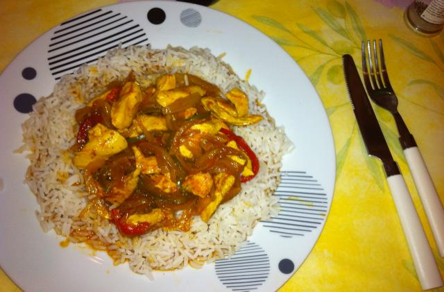 Poulet poivrons-tomates-curry - Photo par cleme5