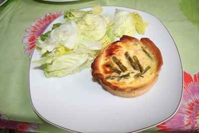 Tartelettes au saumon et aux asperges - Photo par sophieleb