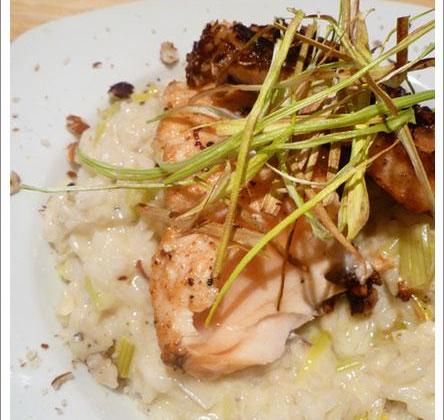 Saumon en croûte de noisettes et risotto aux poireaux ! - Photo par aurorewn