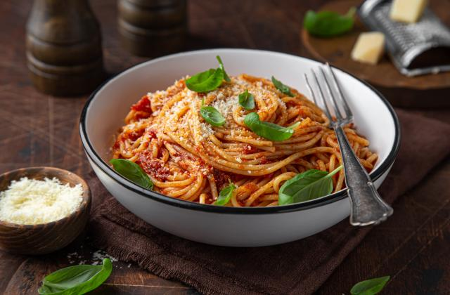 Spaghetti minute sauce tomates, basilic et Parmesan - Photo par 750g