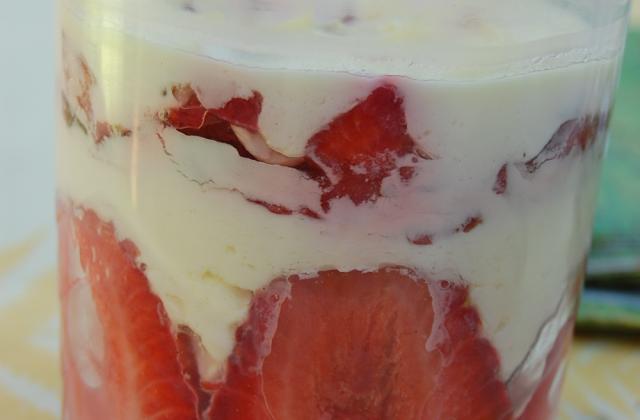Tiramisu fraises basilic - Photo par supertouillette