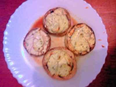 Champignons farcis au fromage frais - Photo par santonocito