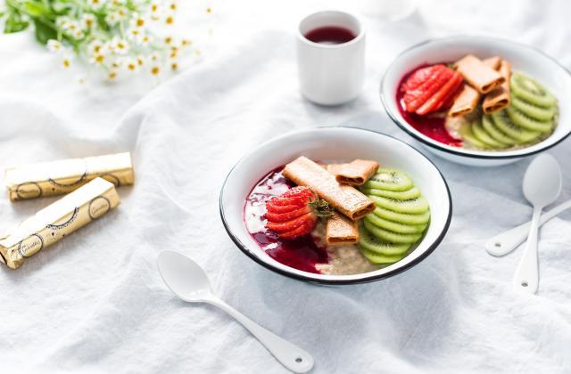 Porridge coloré et croustillant aux crêpes dentelle nature - Photo par Aurélie Bresset de Lilie Bakery