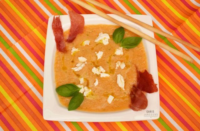 Soupe fraîche de melon au basilic, chèvre et Serrano grillé - Photo par Communauté 750g