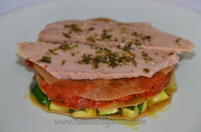 Millefeuille courgettes, tomates et émincés de thon - Photo par Saupiquet